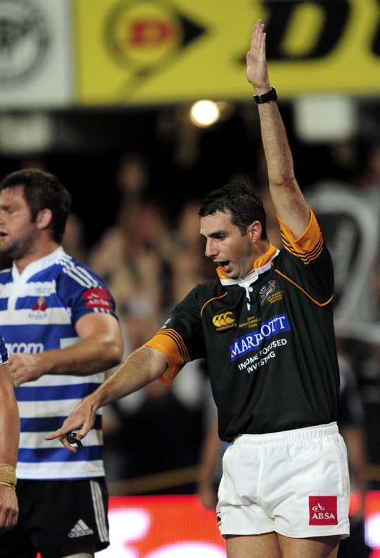 Finals Rugby requires decisive action from a Referee